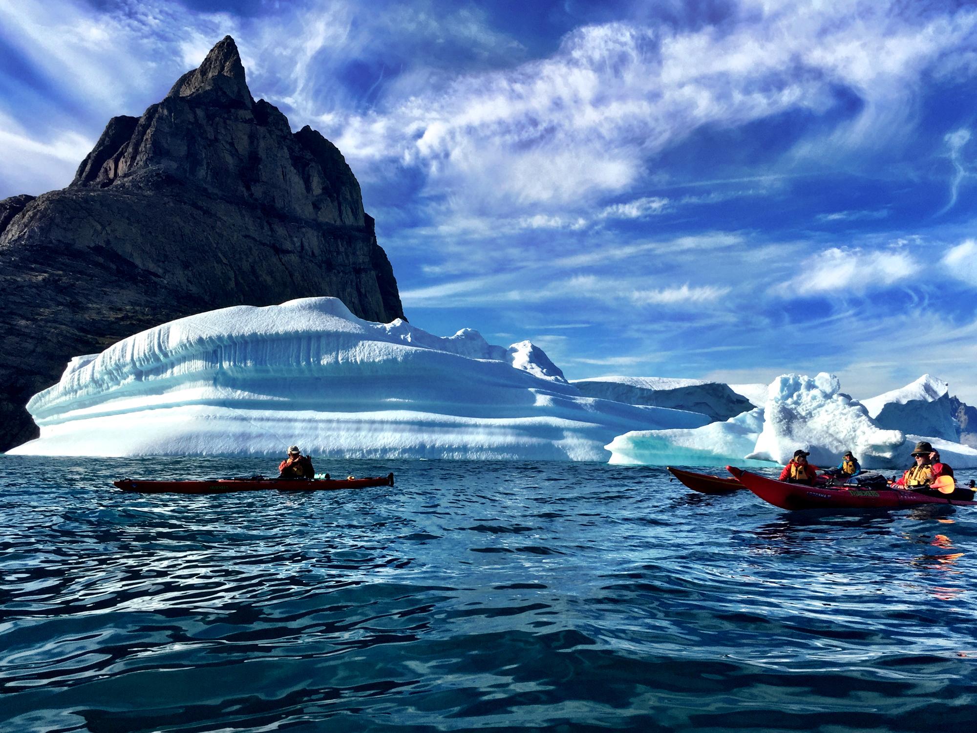 Boka Kajakresa till Grönland, Kroatien eller Indonesien